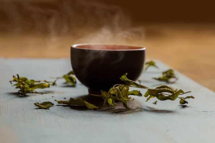 горячий зелёный чай
