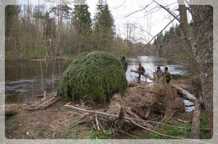 Походная баня у реки