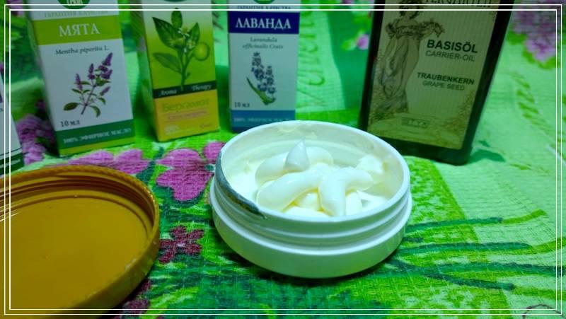 В чистом виде применяется как питательная маска или добавляется в крема и лосьоны.