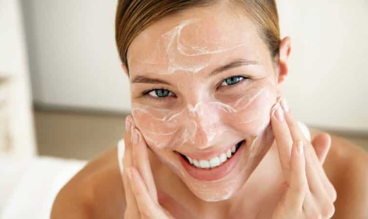 15 быстрых и простых способов уменьшить поры на лице