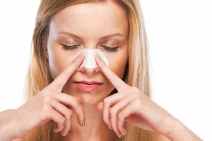 10 лучших способов избавиться от чёрных точек на носу за 1 день