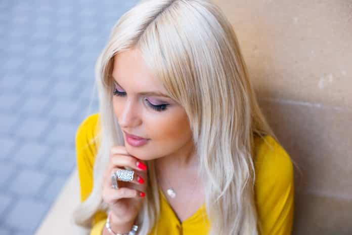 Как убрать желтизну с волос после окрашивания