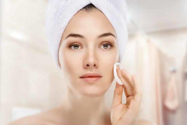 Мицеллярная вода для лица: польза для кожи