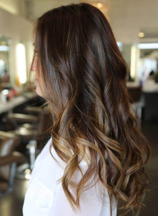 Растяжка цвета волос от темного к светлому: варианты окрашивания, фото