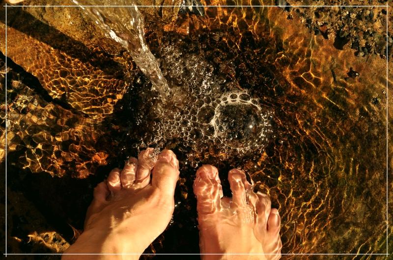 ноги в воде