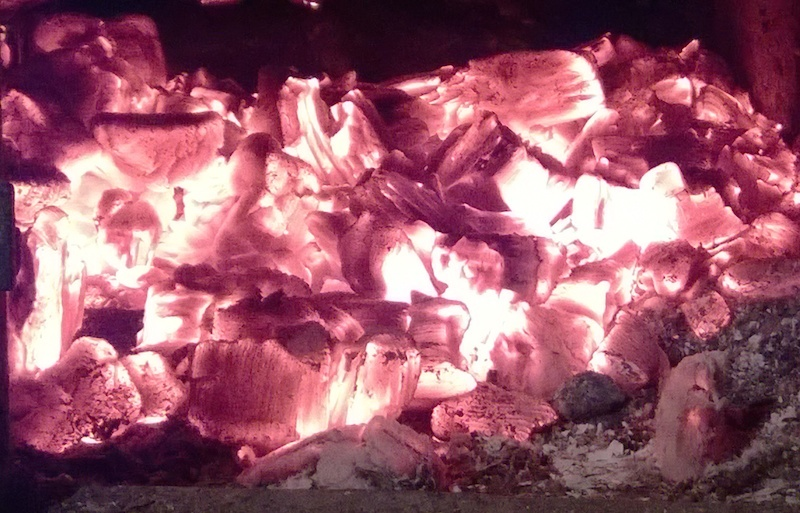 угли в печи