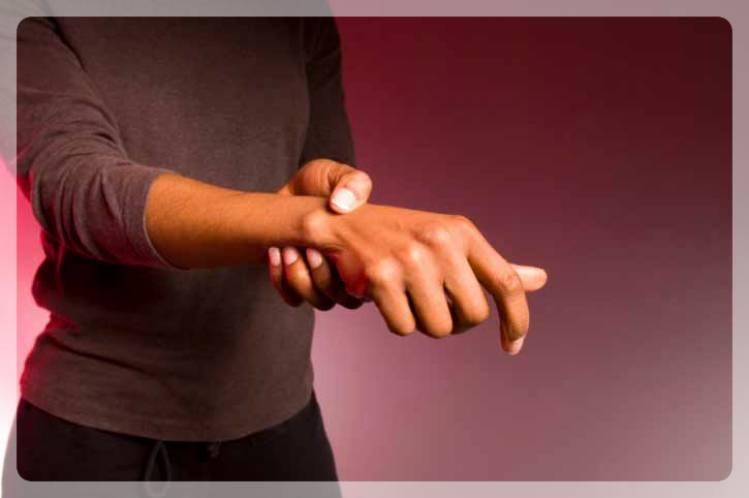 Рука девушки