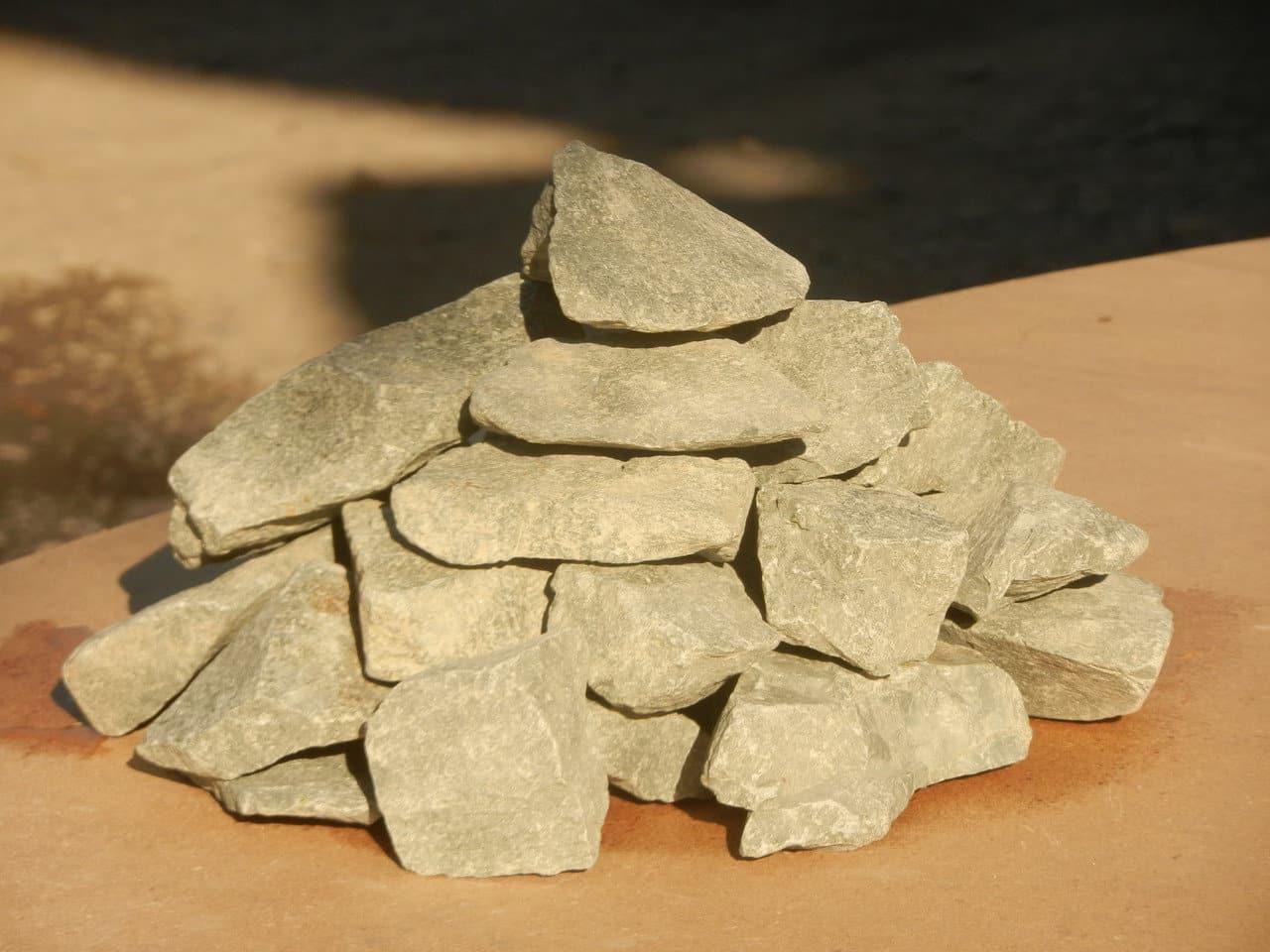 Как выбрать камни для бани - сравнение в таблице